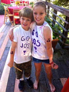 Niece Andie and nephew Leason 5 showing their support